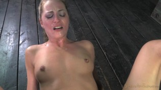 Roxy Rox – Bound and drilled down by relentless fucking machine, hardcore blowjobs, multiple orgasms!