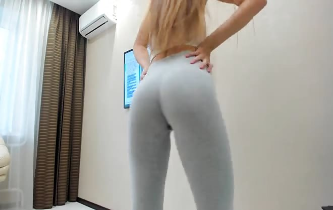 Teen Squirting in Yoga Pants – Watch Part2 on CUMCAM,COM