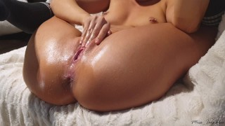 Perfect Pussy Teen Can't Stop Squirting All Over Herself