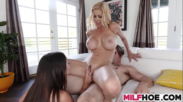 Busty Mum Teaches How To Squirt